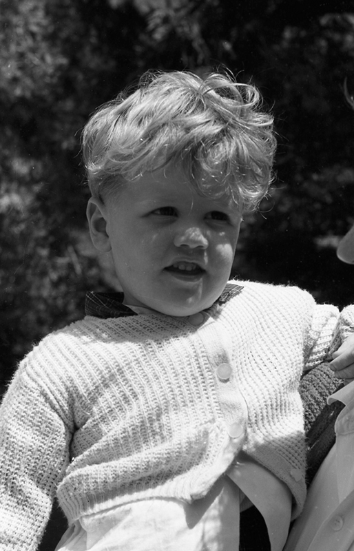 http://archives.saturnaheritage.ca/files/static/sharp_collection/kids-48.jpg