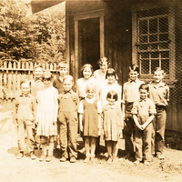 http://archives.saturnaheritage.ca/files/static/taylor_collection/school-13.jpg